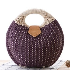 🆕Plum Shell Woven Straw Rattan Purse